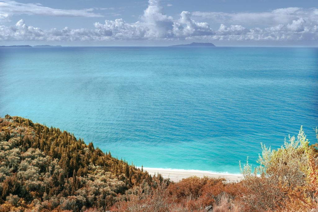 Traghetti per l'Albania | Acque e panorama in Albania